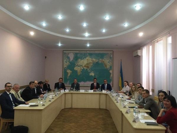 У Держрибагентстві відбувся круглий стіл з питань участі України в роботі ККАМЛР