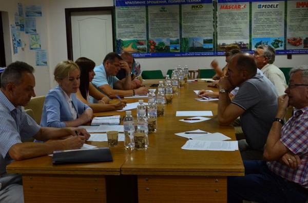 В Одесі обговорили раціональне використання знарядь лову рапани