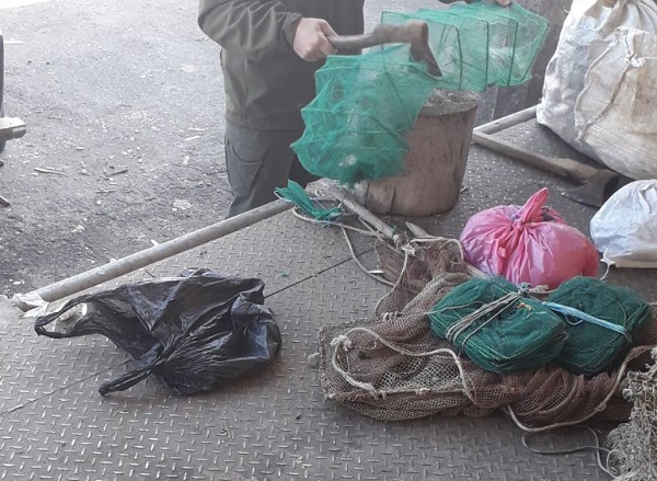 Чорноморський та Чернівецький рибоохоронні патрулі утилізували 159 незаконних знарядь лову