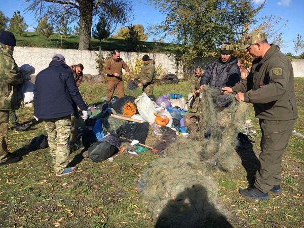 Дніпропетровський та Львівський рибоохоронні патрулі утилізували понад 13 км сіток