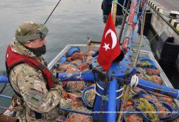 Турецьку шхуну «ZOR» було відконвойовано в порт Одеси, - Держрибагентство