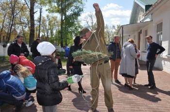 Рибоохоронний патруль Київщини спільно з 60 школярами виготовив більше 500 нерестових гнізд